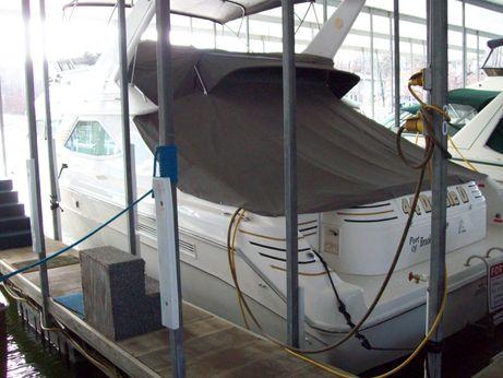 1995 Sea Ray 440 Express Bridge