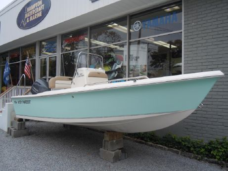 2015 Key West 1720 Center Console