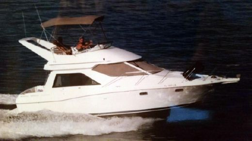 2001 Bayliner 3258 Command Bridge