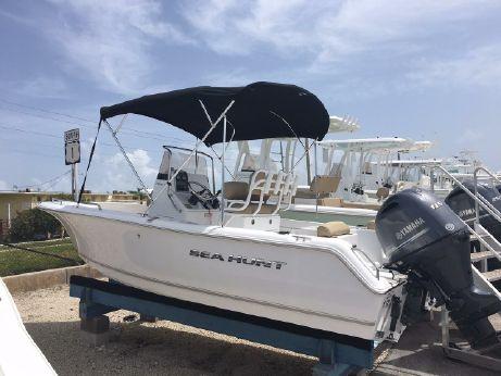 2016 Sea Hunt Triton 188