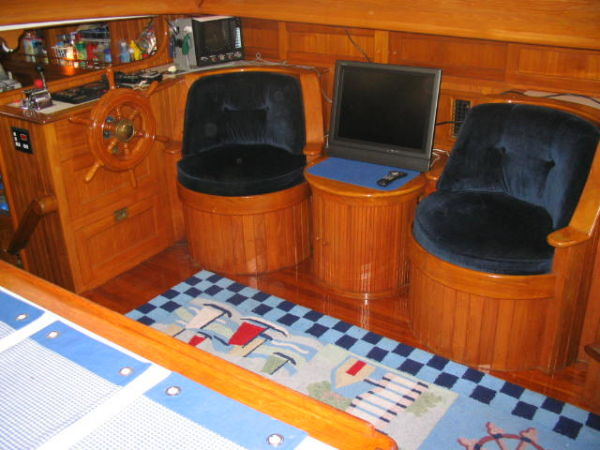 51' Hudson Force 50 (Mikelson 51) +Barrel chairs starboard
