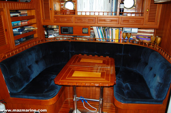 51' Hudson Force 50 (Mikelson 51) +Galley dinette