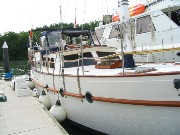 51' Hudson Force 50 (Mikelson 51) +Staboard side