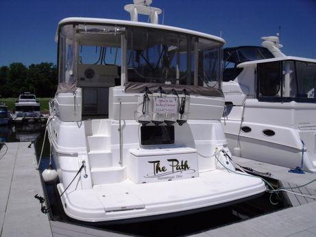 2000 Cruisers Yachts 3750 Motoryacht