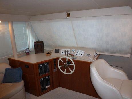 1999 Harbormaster 52