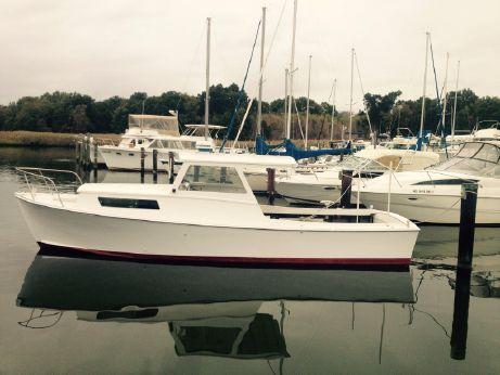 1984 Maynard Lowery Bay Built