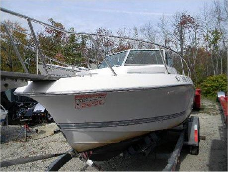 1990 Chris-Craft 215 Sea Hawk