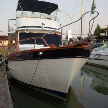 1982 Universal Marine Trawler