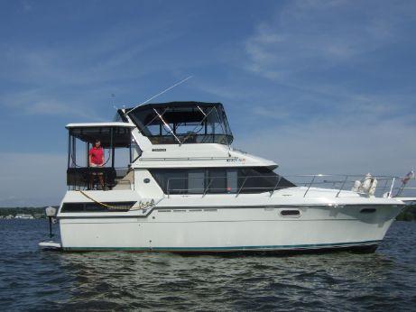1989 Carver 38 Motor Yacht