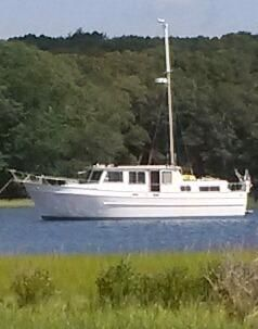 1979 Marine Trader Double Cabin Trawler - Single Diesel Efficiency