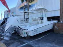 2020 Boston Whaler 240 Dauntless Pro