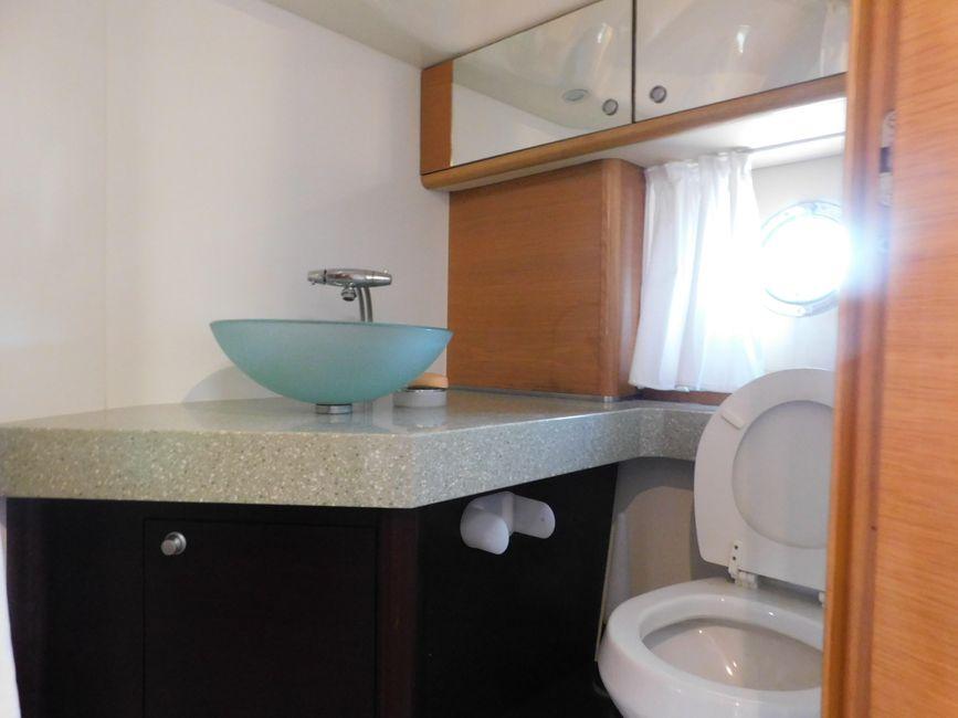 Cranchi 43HT Bathroom Sink