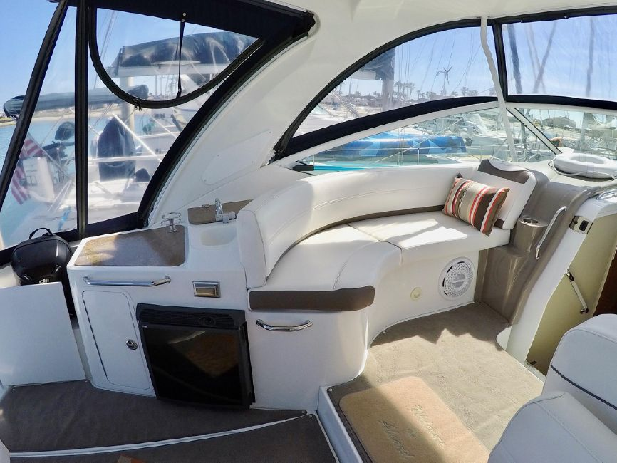 Cruisers Yachts 330 Express Boat for sale