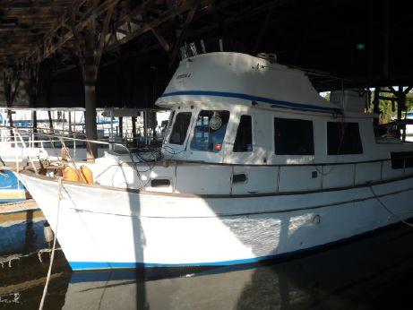 1976 Marine Trader 34 Trawler Yacht