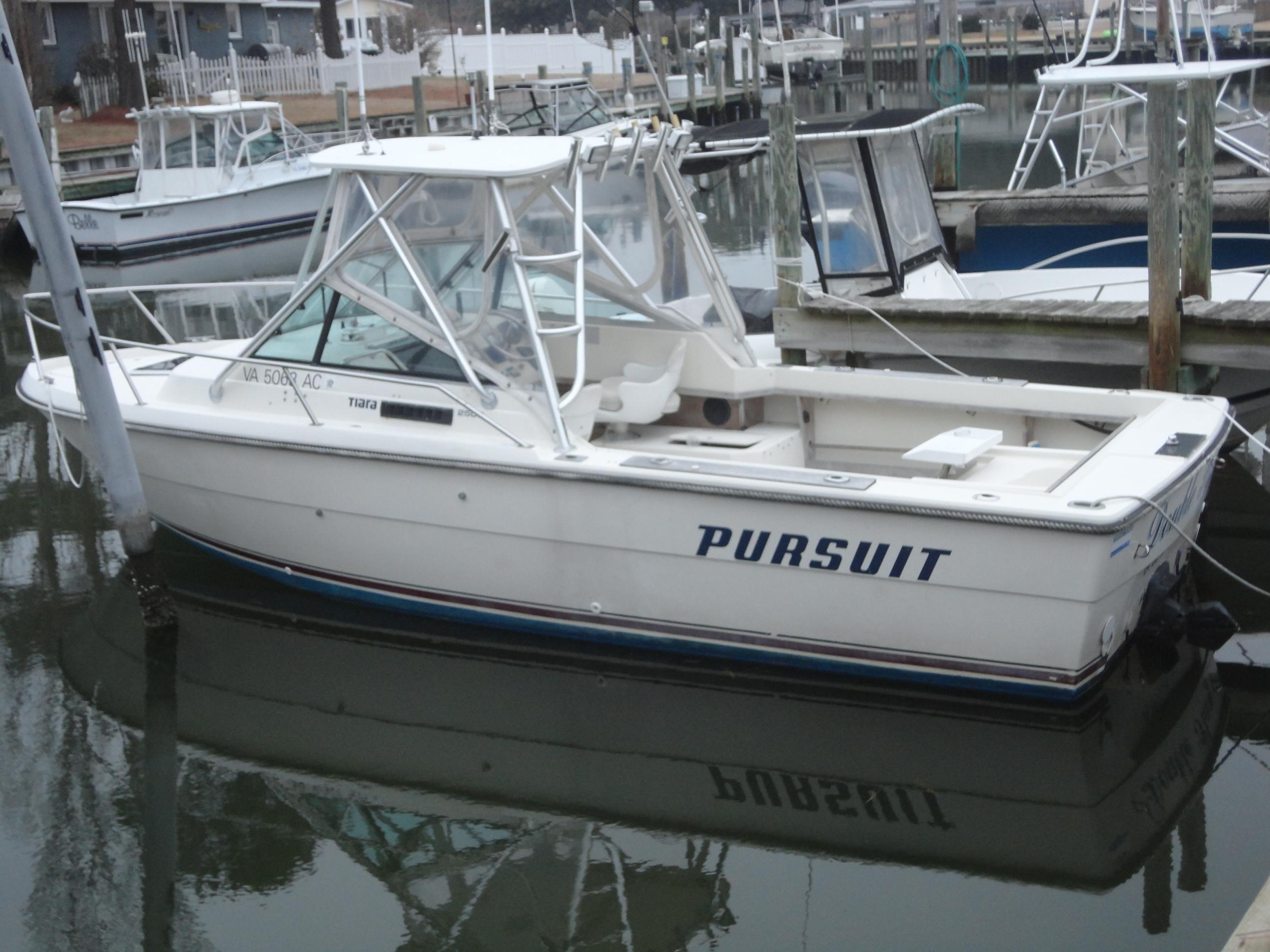 1985 Pursuit 2500 Tiara Power Boat For Sale - www.yachtworld.com
