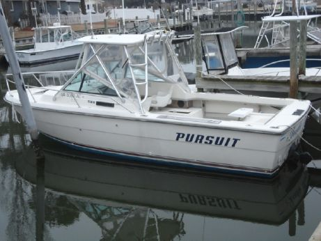 1985 Pursuit 2500 Tiara