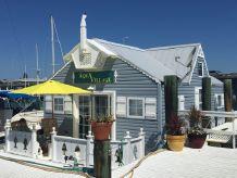 2010 Custom 42' Floridian Floating Cottage