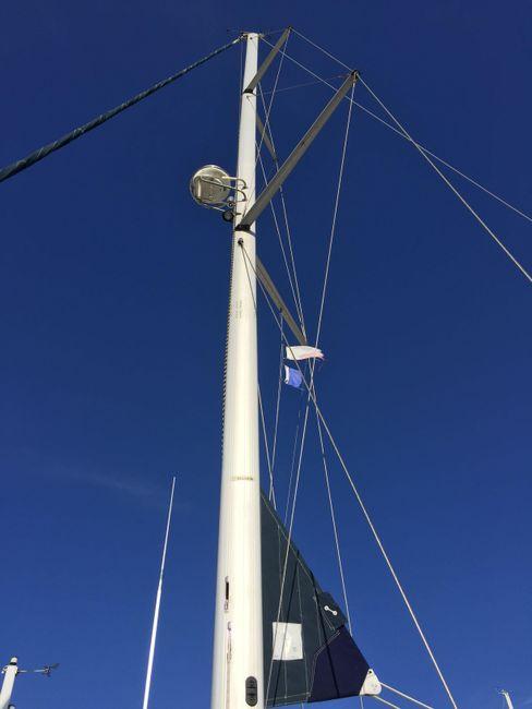 Hunter 46 LE Sailboat Mast