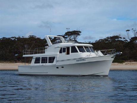 2015 Symbol 48 Classic Pilothouse (New Model)