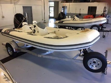 2017 Avon Seasport 490 Deluxe NEO 90hp In Stock