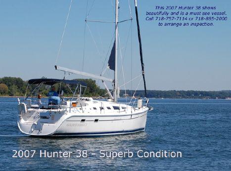 2007 Hunter 38
