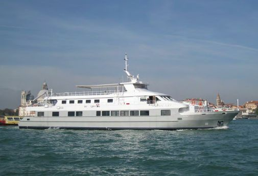 2004 New Apuania Yards Luxury Floating Restaurant