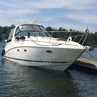 2009 Rinker 360 Express Cruiser