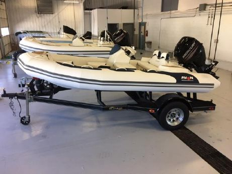 2017 Avon Seasport 440 Deluxe NEO 60hp In Stock