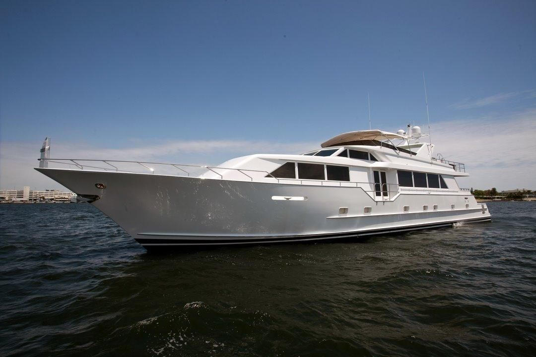 1998 broward motor yacht power boat for sale www for Large motor yachts for sale