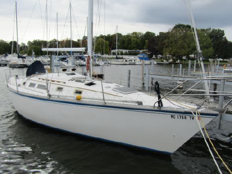 1986 Hunter 34 Sloop