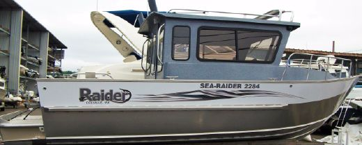 2015 Raider Sea Raider 2284 Cuddy