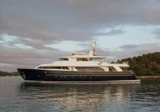 2007 Ferretti Yachts Navetta 30