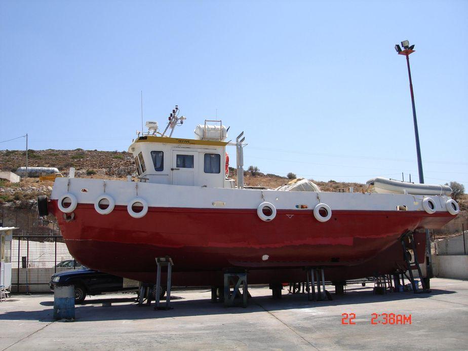 2004 diving support vessel
