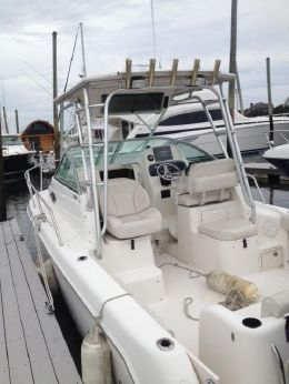 2003 Robalo R-265 Walk Around