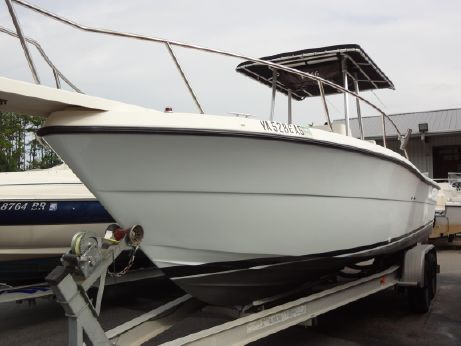 1992 Pursuit 2550 Center Console Cuddy