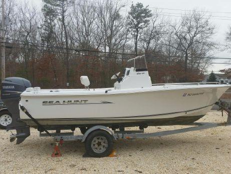 2011 Sea Hunt 202 TRITON