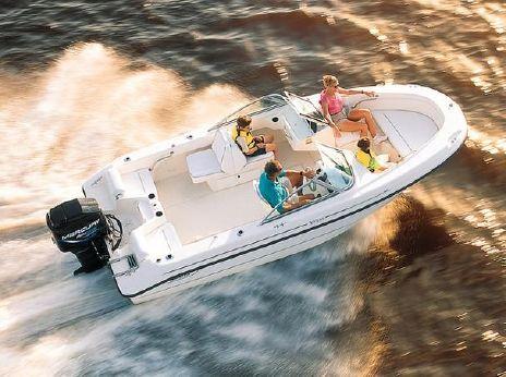 1999 Boston Whaler 18 Ventura