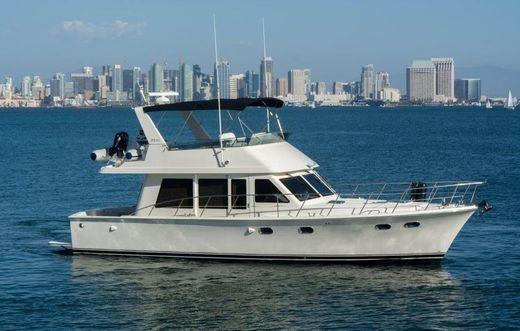 2004 Mckinna Sedan Motor Yacht