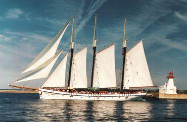 1943 Custom Tall Ship 3-Masted Tern Schooner