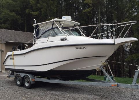 2004 Boston Whaler 255 Conquest