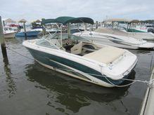 2001 Sea Ray 210 Sundeck