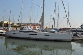 photo of 58' Jeanneau 57