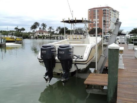 2005 Pursuit 2670 Center Console