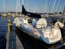 1998 J Boats 105