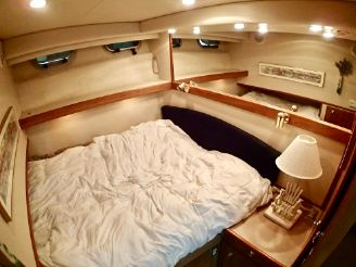 thumbnail photo 2: 1998 Bayliner 4788 Pilot House Motoryacht