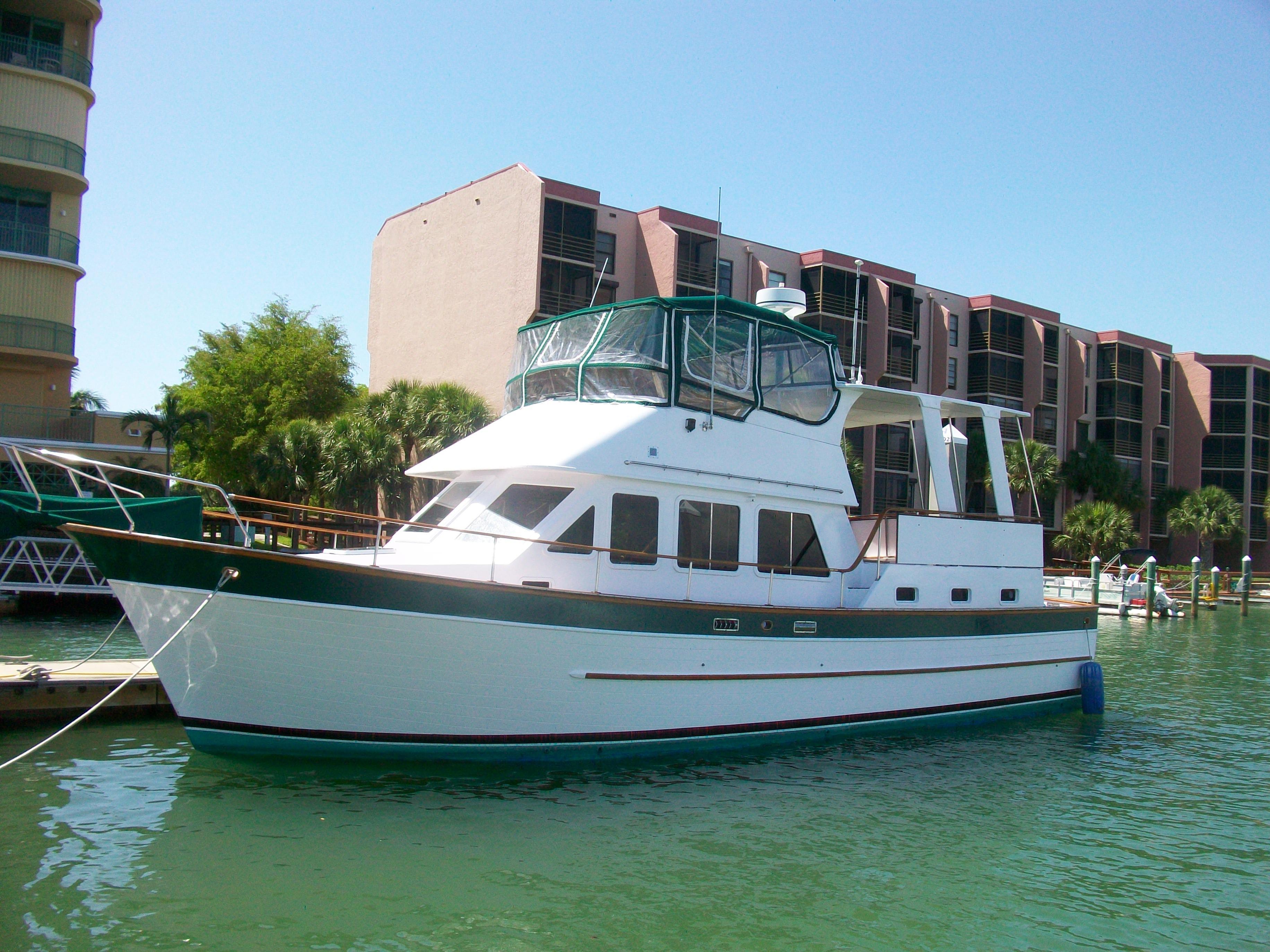 44 ft 1985 marine trader cockpit motor yacht