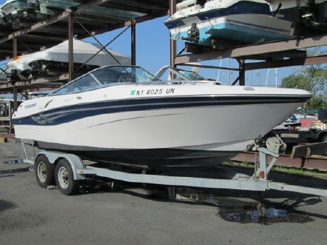 2001 Four Winns 230 Horizon