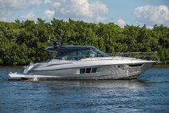 2017 Cruisers Yachts 45 Cantius Black Diamond