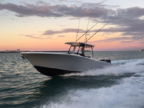 2016 Mag Bay Yachts 33 Center Console