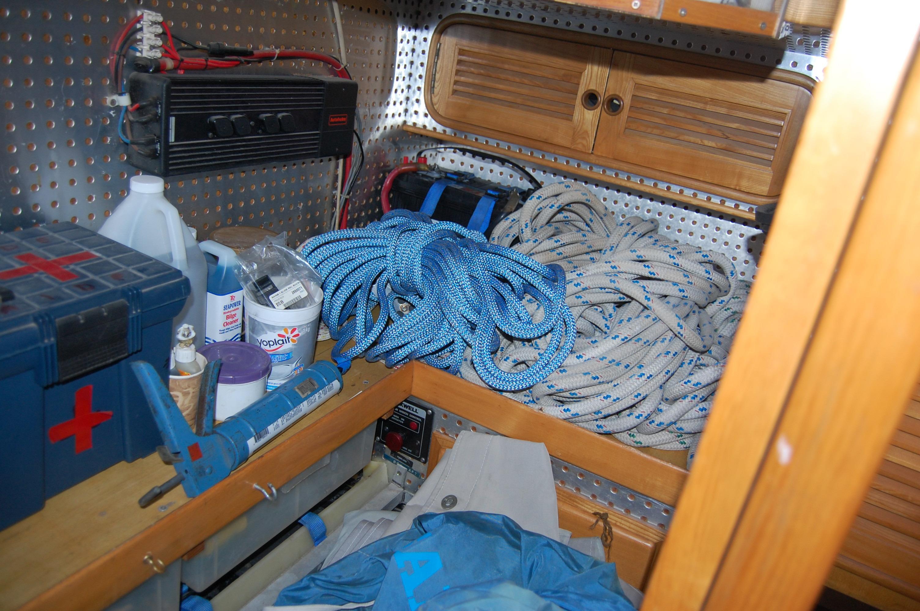 47' Tayana Center Cockpit Cutter+Photo 13